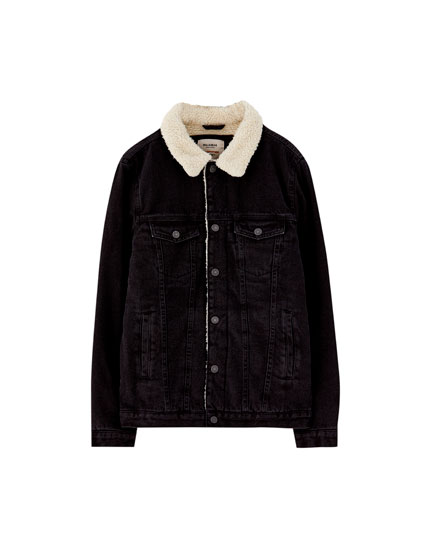 Denim jacket with a fleece collar