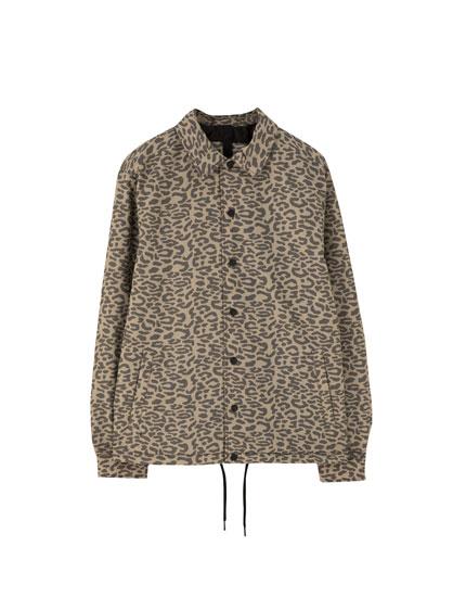 Blusão tipo casaco treinador com animal print