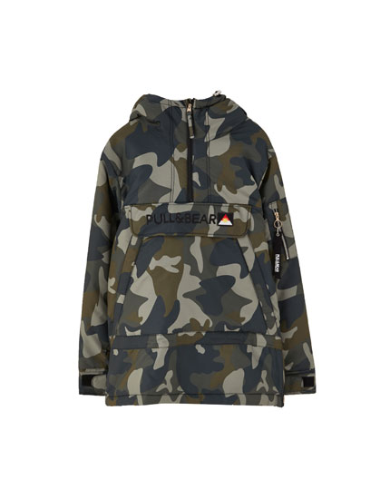 Camouflage jacket with pouch pocket and faux fur hood