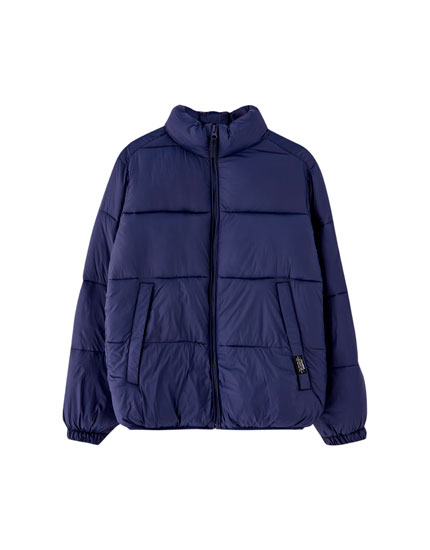 Puffer jacket with raised collar