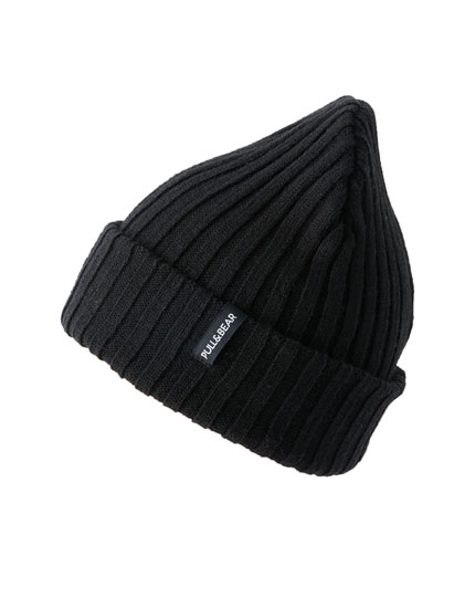 Black fine knit hat