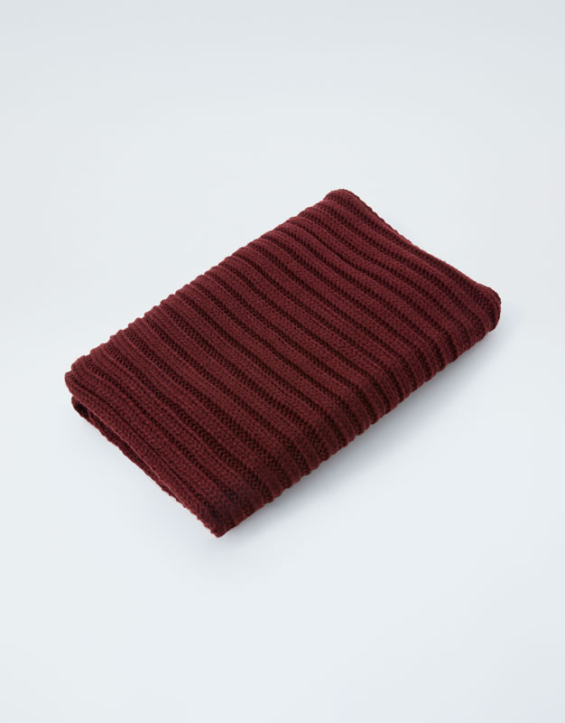 Coloured Ribbed Scarf by Pull & Bear