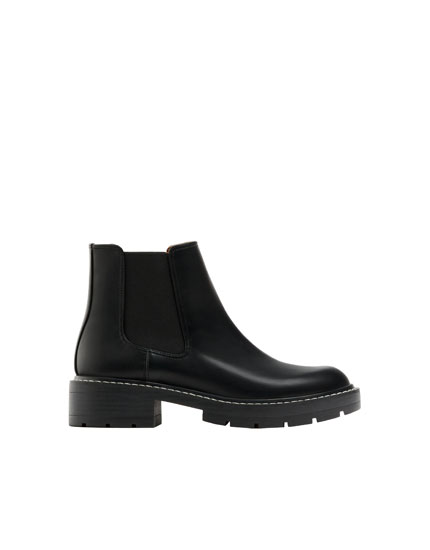 Black topstitched Chelsea boots