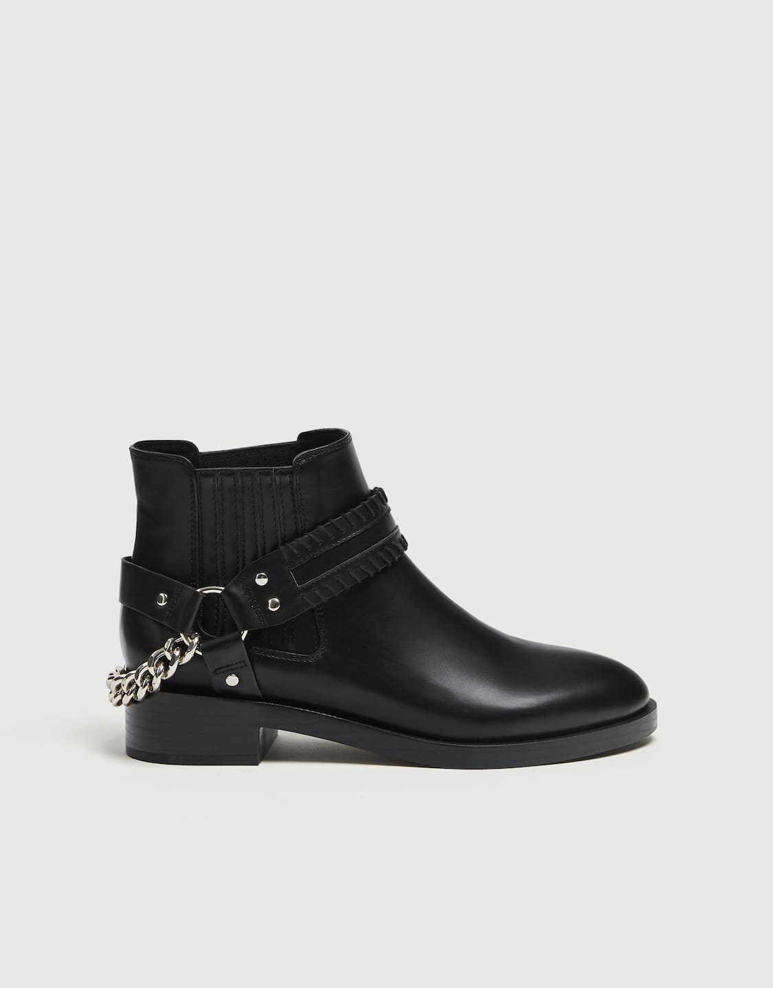 70cbcfcf8233 Ankle boots with chain detail - pull bear