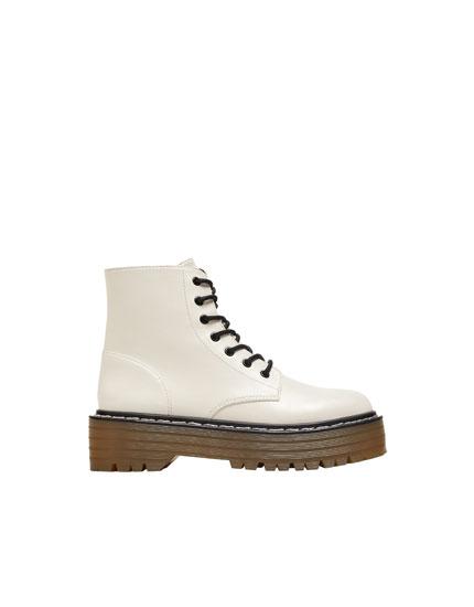 Hvide støvler med plateausål