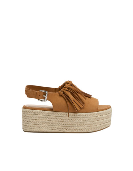 Fringed jute flatforms