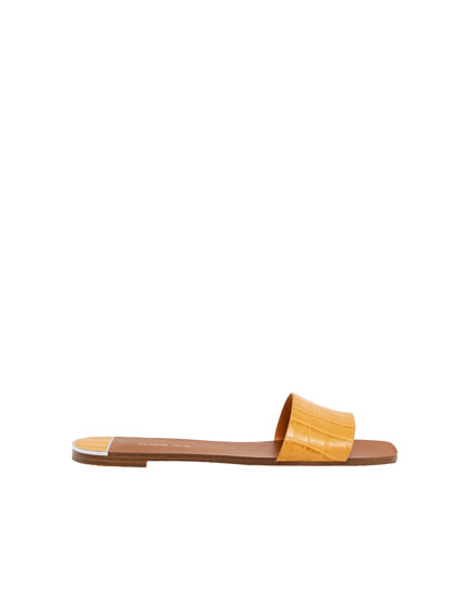 Senffarbene Sandale mit Kokos-Print