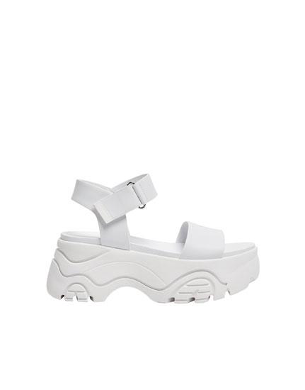 Sandale mit Blockabsatz Rosalía