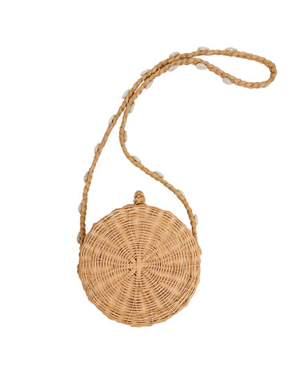 RATTAN CROSSBODY BAG WITH SHELL STRAP