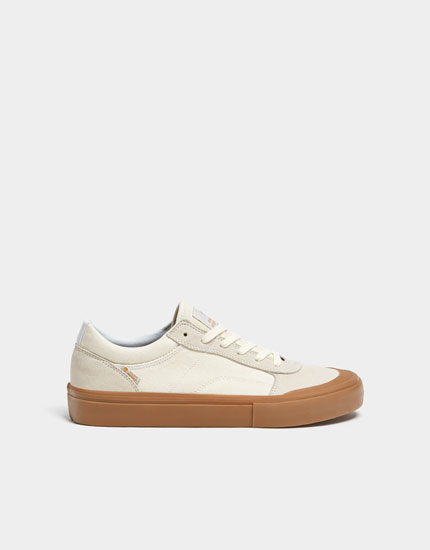 Beige teen trainers