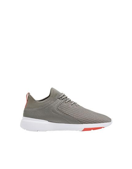 Kombinierte Sneaker in Grau