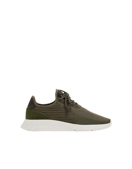 Pantofi sport cu detalii laterale