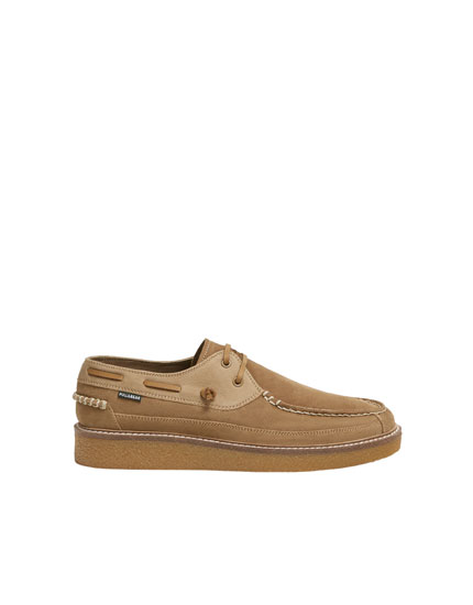 Split suede deck shoes