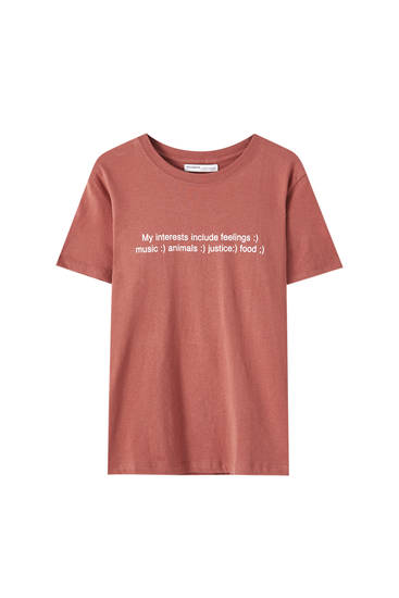 Coloured T-shirt with slogan