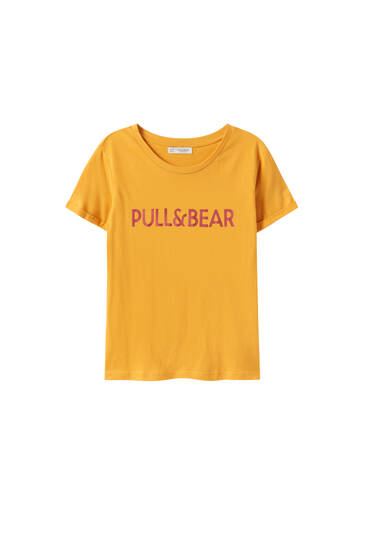 Basic coloured T-shirt with contrast logo
