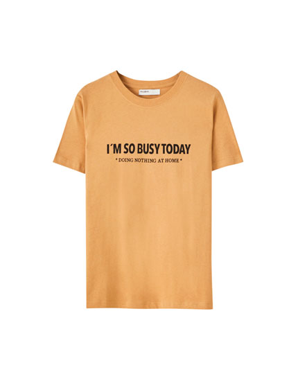 Coloured T-shirt with contrast slogan