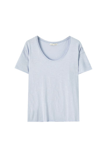 Basic T-shirt with piped seams