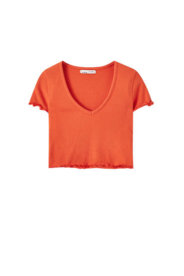 Camiseta cropped escote pico