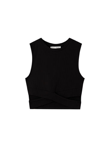 Ribbed top with cut-out details