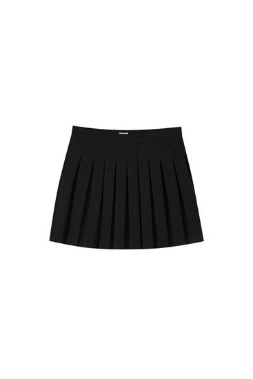 Black mini skirt with box pleats