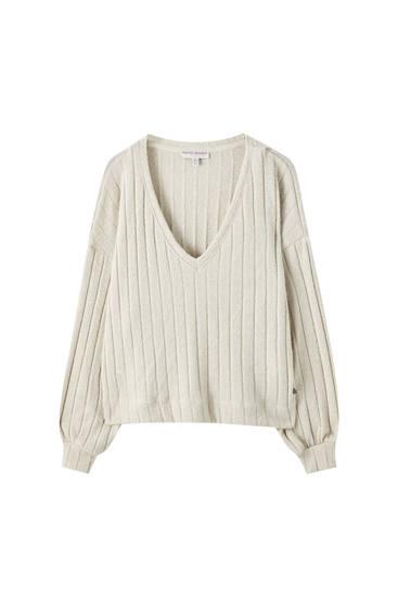 Pullover mit Ausschnittstickerei und V-Ausschnitt