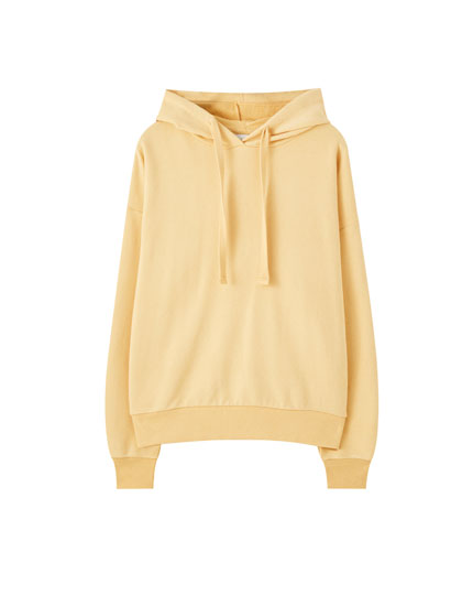 Basic hoodie with adjustable hood