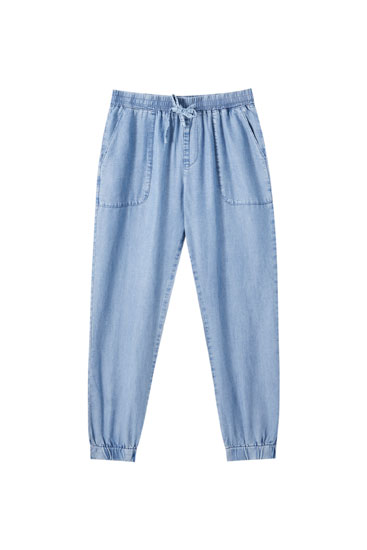 Flowing jogging trousers