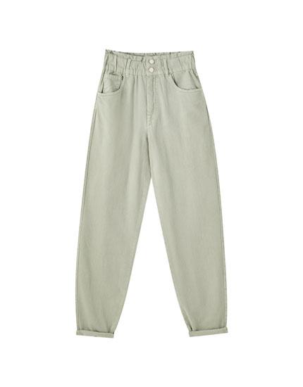 Jeans slouchy com elástico largo