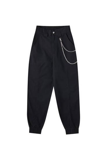 Kalhoty cargo s detailem řetízku