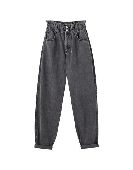 Gaucho-Jeans mit Gummizug und zwei Knöpfen