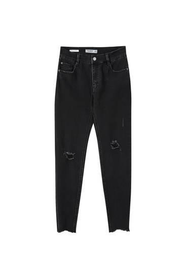 Jeans im Skinny-Fit in Caprilänge mit halbhohem Bund