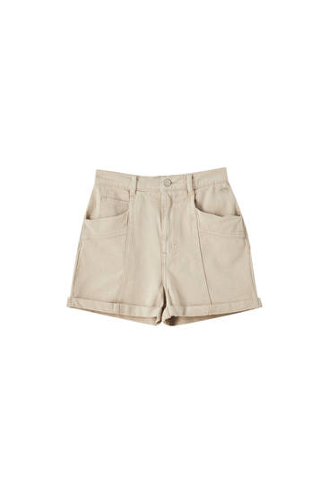 Shorts with seams and turn-up hems