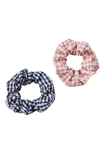 Pack of gingham scrunchies
