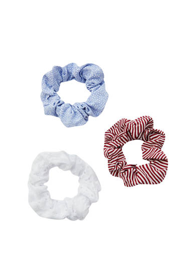 3-pack of scrunchies with Swiss embroidery