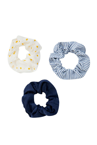 Pack of 3 daisy scrunchies