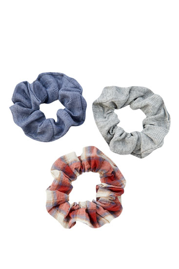 Pack of 3 check print scrunchies