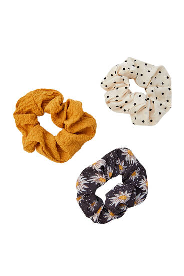 3-pack of polka dot and daisy scrunchies