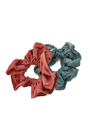 2-pack of large scrunchies