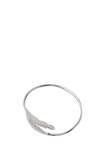 Silver-finish leaf cuff