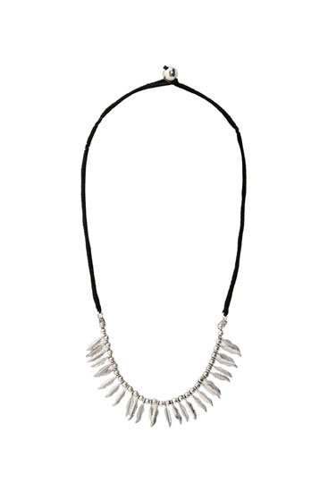 Necklace with silver feathers