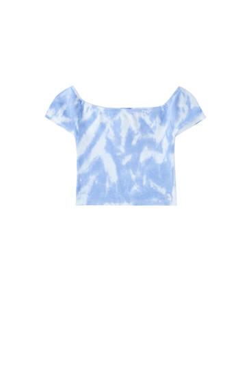 Top tie dye blu con scollo a barchetta