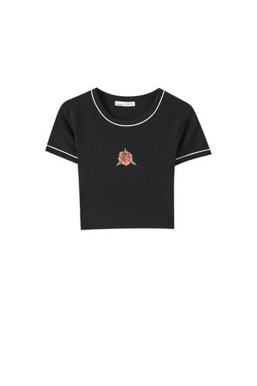 Basic T-shirt with contrast detailing