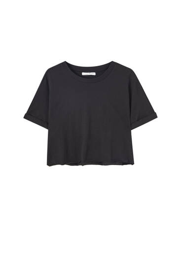 Basic T-shirt with rolled-up sleeves