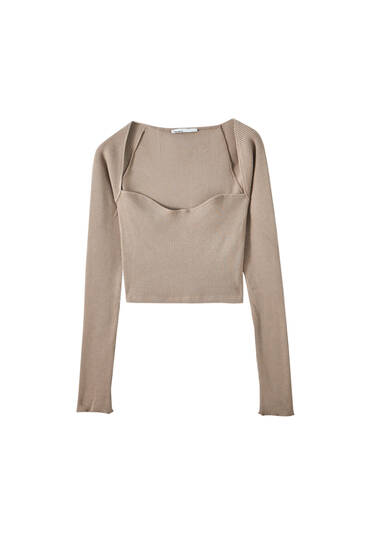 Long sleeve top with a sweetheart neckline