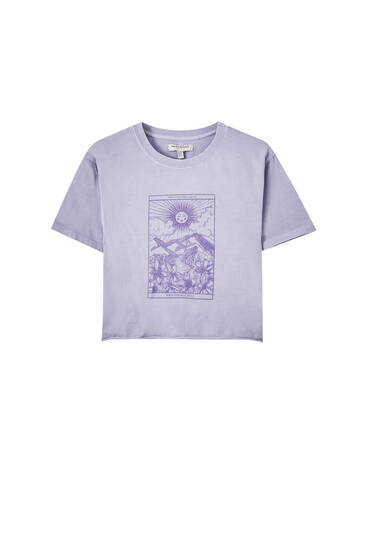 Cropped T-shirt with lilac illustration