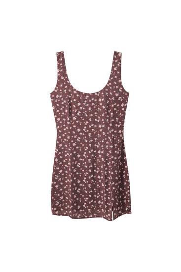 Blomstret kjole med slidsedetaljer