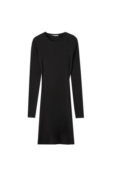 Schwarzes Kleid Cut-Outs am Rücken
