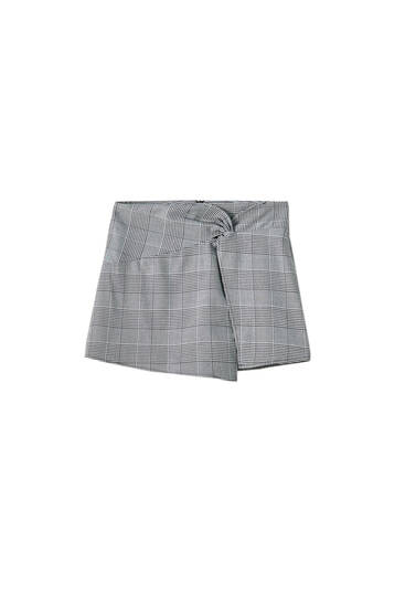 Skort with decorative knot