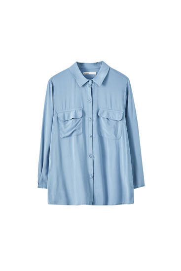 Basic shirt with sleeve pleat