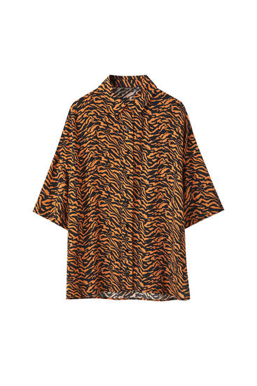Short sleeve tiger print shirt